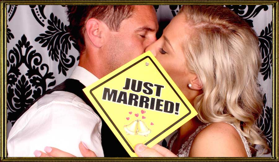 Glam Photobooths Just Married Do Not Disturb